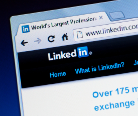 use linkedin alumni feature